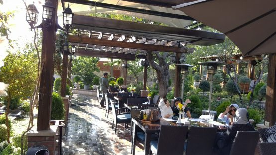 هیتر تابشی باغ رستوران لرد